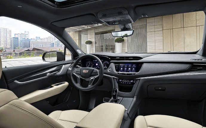 Салон Cadillac XT